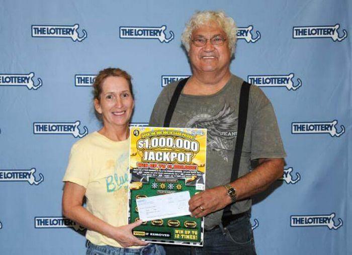 Как-то Джозеф и Джоанн Зэгми отправились за покупками в супермаркет и заодно решили испытать удачу, купив лотерейный билет.